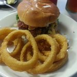 BBQ  Steakbuger with rings