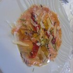 saumon mariné à cru au citron et poivrons grillés