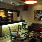 Bar en hall del hotel.