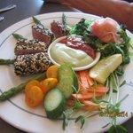 Sesame-crusted Ahi tuna supper plate