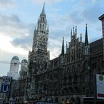 The Munich New City Hall (Rathaus).