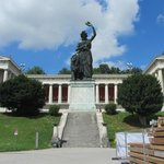 Statue of Bavaria & Ruhmeshalle (Hall of Fame).