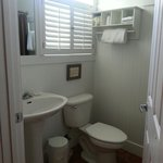 Nice bathroom in Conch room
