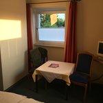 Photo de Hotel Helene