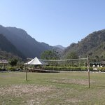 The camp has a volleyball court, great fun to play in the evenings!