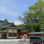 Sengen Taisha Shrine with fuji mountain