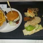 Angus beef burger & cheese plate