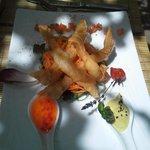 Gamberoni in pasta filo con salsa thai e e maionese di guacamole