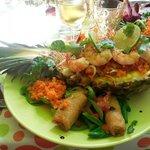 Salade thaï (crevettes, ananas, nem)
