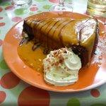 Fondant au chocolat avec coulis de mangue