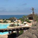 vue de la piscine et ocean