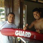 excelentes salvavidas Noe Pascual y Fidel Salinas...