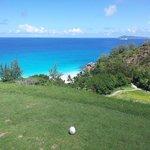 Vista su Anse Geogette dal campo di golf del Lemuria
