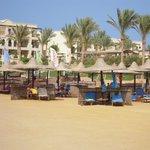 Plaża i widok na hotel