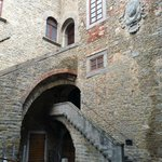 Cortile di Palazzo Casali sede del MAEC - Museo dell'Accademia Etrusca