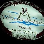 Insegna della Pizzeria Vulcano Marsili