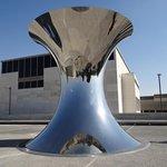 Перевернутый Мир Аниша Капура, Музей Израиля