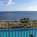 Frontaal zicht vanop balkon