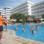 Vandgymnastik hver dag og sjov med guiderne