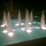 Jets d'eau des piscines.