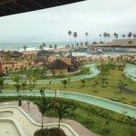 Vista do quarto de dia para a area de piscina em destaque para a piscina de boia