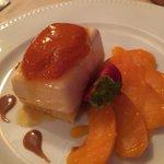 Côté bistro : Délice au caramel et compotée d'abricot