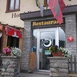 Celerina - Hotel-Restaurant Cresta-Run - entrance