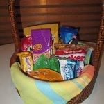 Snack basket, mmmmm