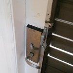 Door lock defective
