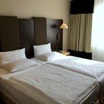 standard double room - bedroom