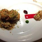 Crevettes sauvages servies en tartare et snackées au poivre de sechuan