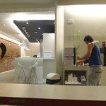 Cafe, Agua fría, y galletitas libres