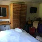 Room #1 - roomy!