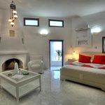 Photo de Naoussa Hills Boutique Resort