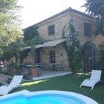 Casería de Tito desde la piscina