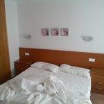 Las dos camas del dormitorio