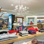 Hangl's Duty free shops