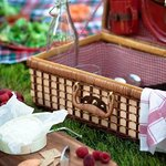Order a Gourmet Picnic Basket from The Pasta Tree