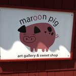 Photo de The Maroon Pig Art Gallery and Sweet Shop