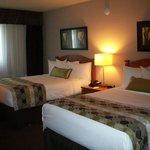 chambre avec 2 lits doubles