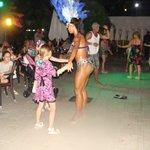 Танцы под живую музыку