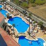 zona de piscina vistas desde la habitación