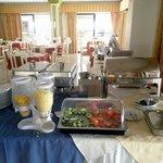 Шведский стол на завтрак