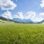Die Weite des Tannheimer Tals im Sommer