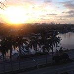 por do sol vista do canal