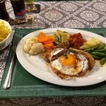 Kalbsschnitzel mit Ei