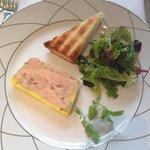 Le foie gras, exquis! Les toasts étaient parfaits aussi