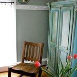 Bee & Bee ~ The Green Room