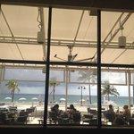 Desayunando en Shula's, bellisima vista!