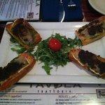 Tavola Crostini (Prosciutto, brie, pesto & fig compote)